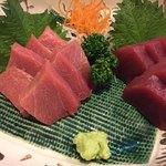 味楽市場 炭小屋 - 料理写真:青森産メジマグロ。中トロ。赤身