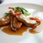 トランテアン - 播州赤鶏のソテー 川津海老のフリットのアクセント