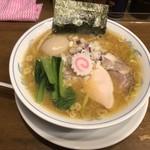 ら~めん曳舟 - 濃厚鶏しょうゆ 味玉