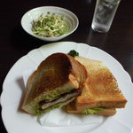 Chiffon Cafe Soie - 日替わりランチセットはミニサラダ付