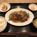 88578689 - 羊肉と香味炒め定食=780円                       (孜然羊肉)