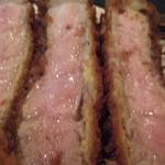とんかつ マンジェ - 上ロース豚カツ断面図アップ!肉汁が凄いです。