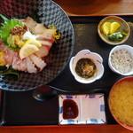 池田丸 - 海鮮丼