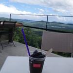 天空カフェ・アウラ - 魔女の黒フロート