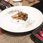 88583726 - 淡海地鶏の内臓の軽いスモーク                       (お皿の上で軽くスモークします)
