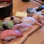 88586412 - 握り寿司セット(1,580円+税)