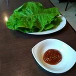焼肉レストラン ソウル - チシャ350円