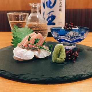 毎日市場から仕入れる鮮魚と旬のお野菜