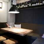 丸焼き鳥 個室イタリアン居酒屋 メリケン - カーテンで仕切られた個室空間