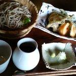 手打蕎麦ゆい - 料理写真:地元野菜の天せいろ