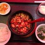 純中国伝統料理四川料理 芊品香 - 元祖麻婆豆腐 850円 中辛 ランチセット