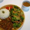 諏訪の森cafe - 料理写真:キーマカレー(¥800税込みサラダ、スープ付き)