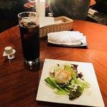 88607913 - サラダセット(サラダ、コーヒー)300円