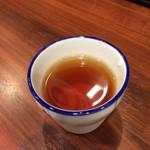 蔵味噌ラーメン 晴っぴ - 食後の黒ウーロン茶