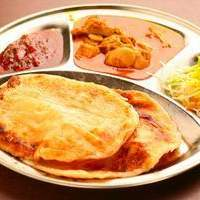マレーチャン - マレーシアの伝統料理、ロティチャナイ。