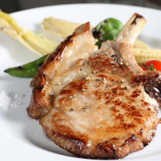 自慢のお肉料理をご紹介♪大切な方とのディナーに