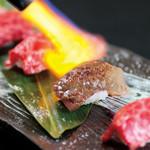 焼肉 孫三郎  - 料理写真:黒樺牛トロ炙り握り 1280円