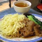 88620844 - 牛腩撈麵(牛バラまぜ麺)