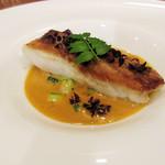 Restaurant Cinq - ('18年4月下旬)魚:和歌山天然鮃のムニエル ジュ・ド・クルベット