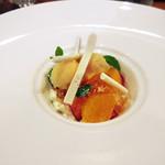 Restaurant Cinq - ('18年4月下旬)デザート:八朔 いちご マスカルポーネムースのパフェ仕立て  マスカットジュレ オレンジシャーベット メレンゲ