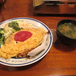 国光 - オムライスと味噌汁
