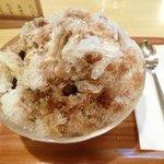 茶寮 ぎょくえん - 黒みつミルク金時(680円)