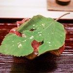 道人 - その他写真:☆水無月豆腐、雲丹、オクラのたたき