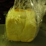 バーニャのパン - 料理写真:食パン