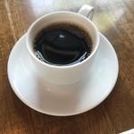 スパイスカフェ - サービスのホットコーヒー