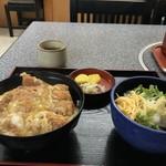 手打ちうどんの店倭 - カツ丼と冷たいうどんです(2018.7.3)