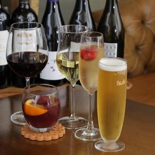 スペイン料理に合うワインも豊富にご用意。飲み放題あり◎