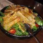 88647216 - 揚げゴボウと水菜のサラダ