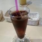 TOLAND - アイスコーヒーとパイナップルジュース