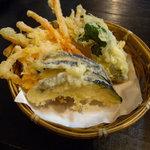そば処 柿屋  - 野菜天(160円)_2011-07-31