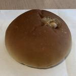 Natural Bread Bakery - 料理写真:とろけるピーナッツクリームパン