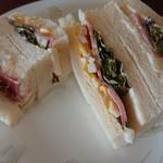 じゅうやくしつ - おまかせサンドイッチ、単品だとレギュラーで500円