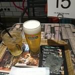 J.S. BURGERS CAFE - ドリンクと番号札