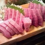 かわなみ鮨 - 大トロと中トロ