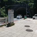 88660878 - 真夏の日差し。麦田のトンネル入り口。