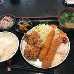 Sakesakanaomata - 海老・唐揚げ定食 950円 (税込)