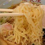 奈良屋 - 細縮れ麺アップ