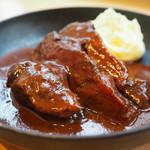 ダンスキューブ・カフェ - 牛ほほ肉の赤ワイン煮込み