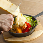 花畑牧場ラクレットチーズ×燻製バル チーズドロップ - 料理写真: