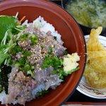 九十九里片貝波乗り食堂 - 鯵のなめろう丼・カツオの竜田揚(2011/07/30撮影)