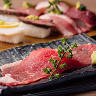 厳選!!牛/豚/鶏/桜肉の寿司が絶品♪