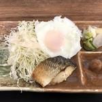 お弁当のヒライ - 小さな焼鯖