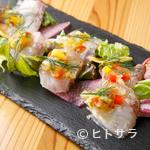 トラットリア ラ ロッカ - 市場直送だから鮮度抜群。旬の魚を生かした『本日のカルパッチョ』