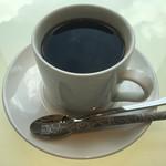 ヴィーノ アンド リストランテ コネッサ - ホットコーヒー 苦味だけしっかり。後は。。、