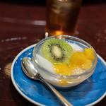中国料亭 翠鳳 - 杏仁豆腐(きやうにんどうふ)