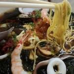 レストハウス雄冬 - 雄冬ラーメン 麺アップ